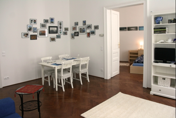 http://apartment-in-wien.at/media/beethoven/2 Wohnzimmer.jpg