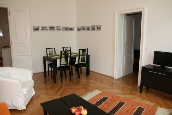 http://apartment-in-wien.at/media/raimund/2 Wohnzimmer.jpg